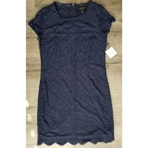 LAUNDRY by Shelli Segal Navy Lace Shift Dress